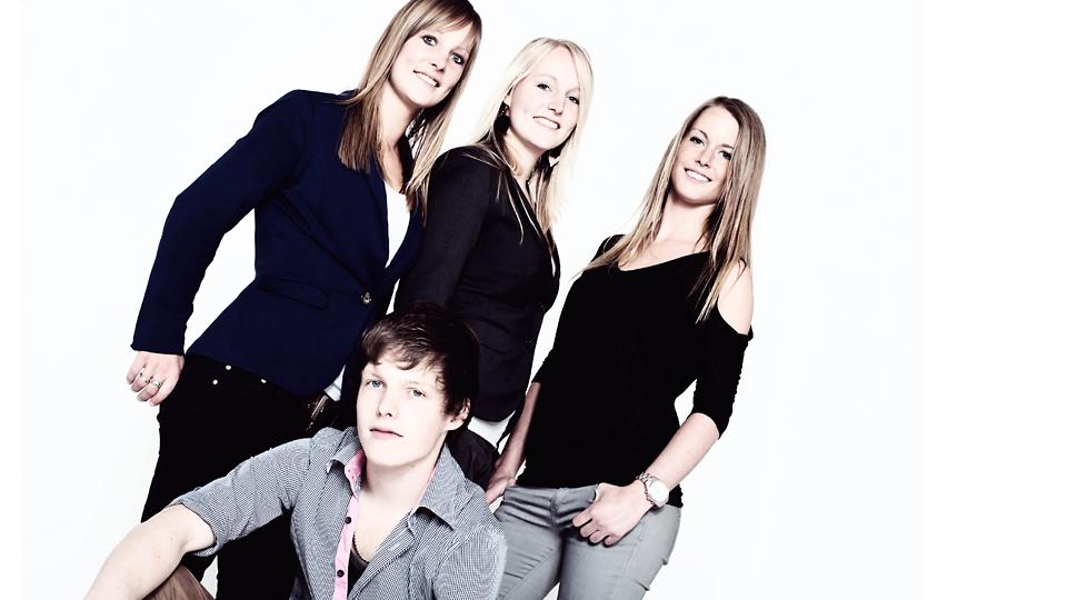 Prachtige namen: Minke, Norin, Jona en Sten | Familie studiosessie @ Dutchfoto.nl